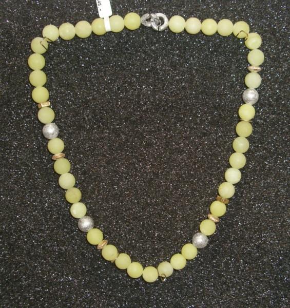 Jade Collier, bicolor